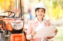 Donna asiatica esecutiva dell'ingegnere Immagini Stock