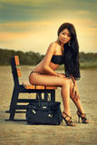 Donna asiatica sulle vacanze fotografia stock