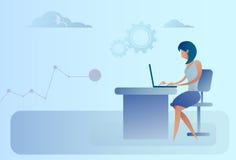 Donna astratta di affari che si siede al computer portatile funzionante della scrivania illustrazione di stock