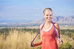 Donna attiva felice di forma fisica Immagini Stock