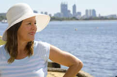 Donna attraente all'orizzonte di Perth Immagini Stock Libere da Diritti