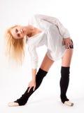 Donna attraente che fa esercizio di forma fisica Fotografia Stock
