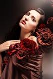 Donna attraente colorata cioccolato fotografia stock