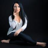 Donna attraente del brunette Fotografia Stock Libera da Diritti