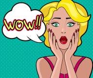 Donna attraente del fumetto con la bolla wow illustrazione di stock