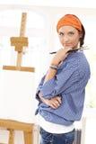 Donna attraente del pittore Immagine Stock