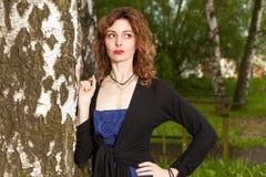 Donna attraente in natura Fotografia Stock Libera da Diritti