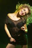 Donna attraente nel night-club Fotografia Stock