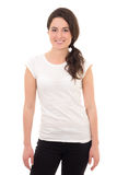 Donna attraente nel sorridere bianco della maglietta isolato su bianco immagini stock