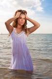 Donna attraente in oceano Fotografia Stock Libera da Diritti