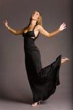 Donna attraente in vestito immagine stock
