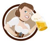 Donna bavarese con birra Immagini Stock