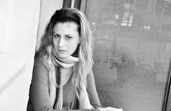 Donna in bianco e nero Fotografia Stock