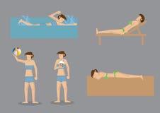 Donna in bikini che gode alla spiaggia Immagini Stock Libere da Diritti