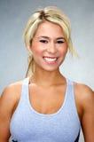 Donna bionda atletica adatta Immagini Stock Libere da Diritti