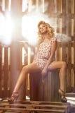 Donna bionda curvy affascinante Fotografia Stock Libera da Diritti