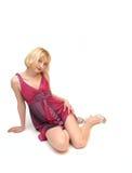 Donna bionda di seduta   Immagini Stock Libere da Diritti