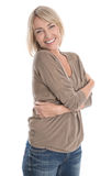 Donna bionda più anziana isolata felice: senta bene a metà secondo di sopra Immagine Stock Libera da Diritti