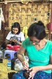 Donna birmana con Thanaka nel Myanmar fotografia stock libera da diritti