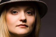 Donna in cappello Fotografie Stock