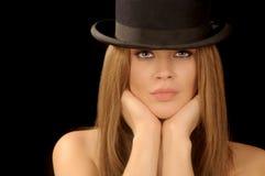 Donna in cappello di giocatore di bocce Fotografia Stock