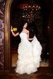 Bella sposa sexy in vestito da sposa bianco Immagini Stock