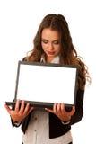 Donna caucasica asiatica attraente che tiene un computer portatile in sue mani w Fotografia Stock