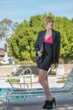 Donna caucasica bionda attraente di affari Fotografia Stock