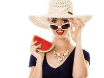 Donna caucasica di estate di modo con pelle perfetta Fotografie Stock Libere da Diritti