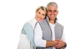 Donna che abbraccia marito Fotografia Stock Libera da Diritti