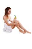 Donna che cattura cura della sua pelle. Immagini Stock