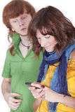 Donna che chiacchiera con il telefono mobile Fotografia Stock Libera da Diritti