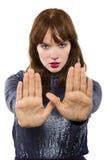 Donna che dice no con il gesto di mano Fotografie Stock Libere da Diritti