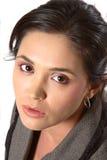 Donna che esamina in su la macchina fotografica immagine stock libera da diritti