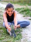 Donna che fa allenamento all'esterno Fotografia Stock