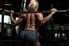 Donna che fa allenamento tozzo per le gambe Fotografia Stock Libera da Diritti