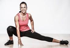 Donna che fa esercitazione di forma fisica Immagine Stock Libera da Diritti