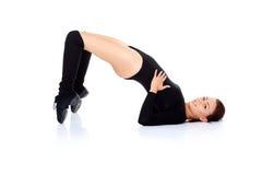 Donna che fa gli esercizi di forma fisica Fotografia Stock Libera da Diritti