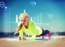 Donna che fa gli sport all'aperto Fotografia Stock