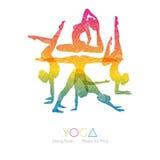 Donna che fa i asanas di yoga Fotografia Stock Libera da Diritti