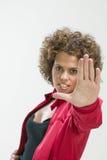 Donna che fa il fanale di arresto Immagini Stock Libere da Diritti