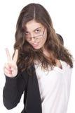 Donna che fa il segno di vittoria Immagini Stock Libere da Diritti