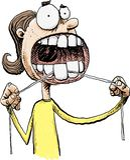 Donna che Flossing i suoi denti immagine stock libera da diritti