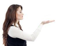 Donna che gesturing con la mano Fotografie Stock