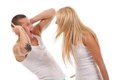 Donna che grida al suo ragazzo immagini stock libere da diritti