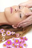 Donna che ha massaggio in stazione termale Fotografia Stock Libera da Diritti