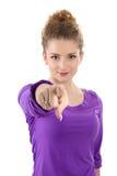Donna che indica voi - donna isolata su fondo bianco Fotografia Stock