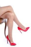 Donna che indossa le scarpe rosse del tacco alto Fotografie Stock Libere da Diritti