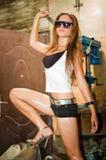 Donna che lavora con gli strumenti Fotografia Stock