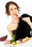 Donna che mangia insalata Immagini Stock Libere da Diritti